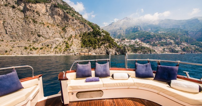 Rental Motorboat Sea Living Positano with a permit