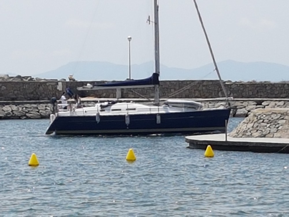 Rental Sailboat in  - Bénéteau Oceanis 373
