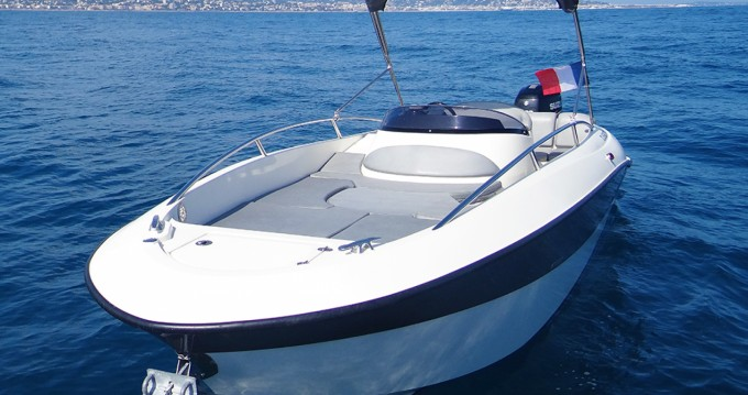 Rental Motorboat Clear with a permit