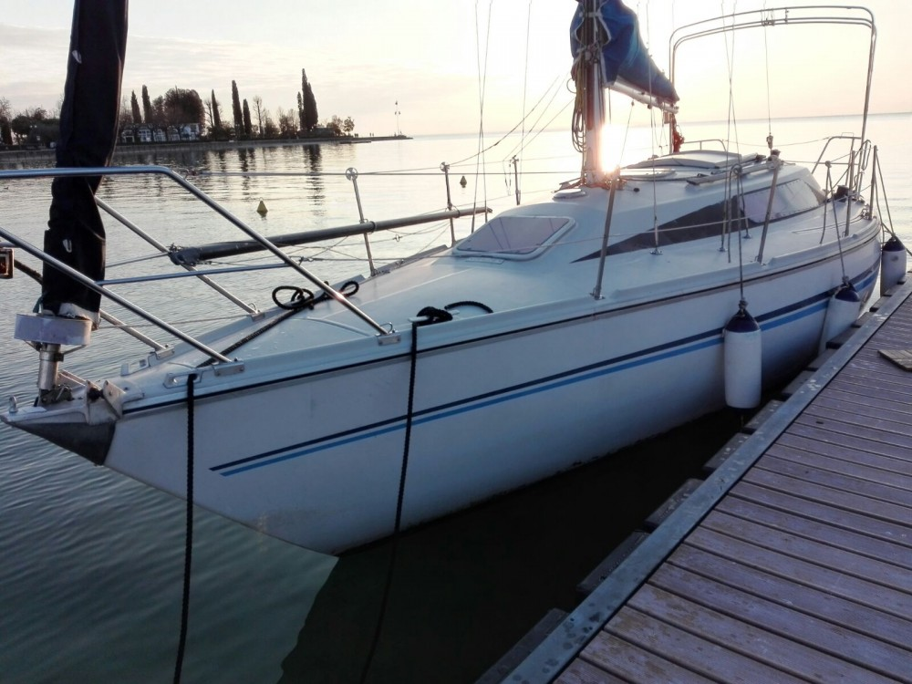 Sailboat for rent Bardolino at the best price
