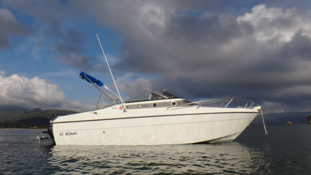 Boat rental Jeanneau Leader 550 in Propriano on Samboat