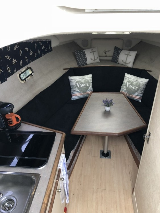 Bayliner Cierra between personal and professional Sausset-les-Pins