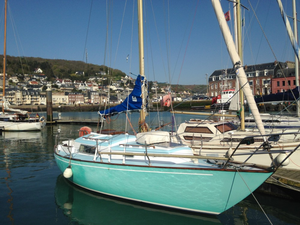 Hire Sailboat with or without skipper Wauquiez Fécamp