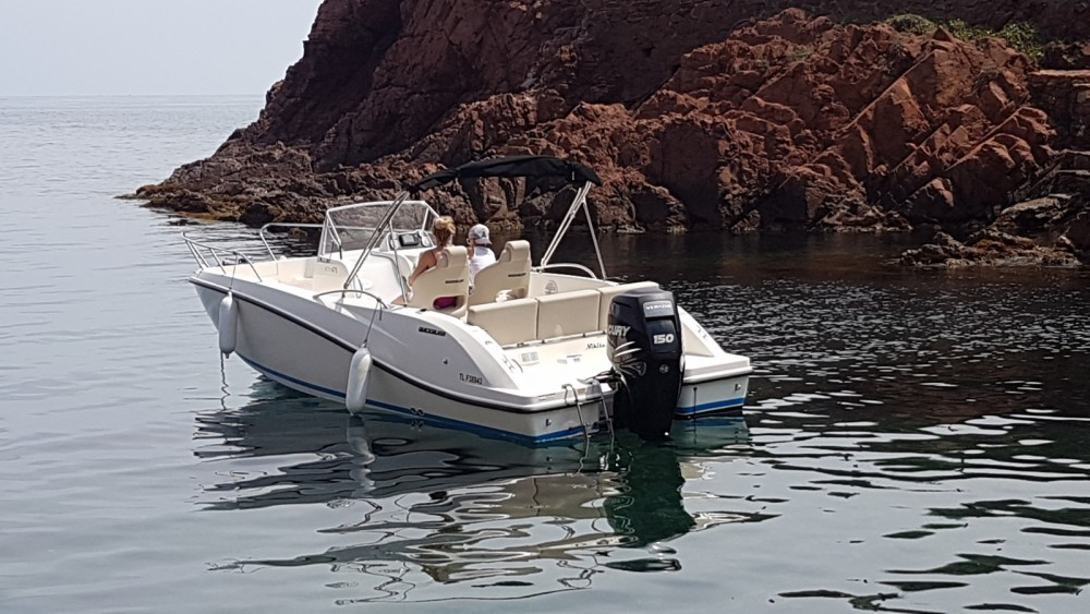 Boat rental Quicksilver Activ 675 Open in Sainte-Maxime on Samboat