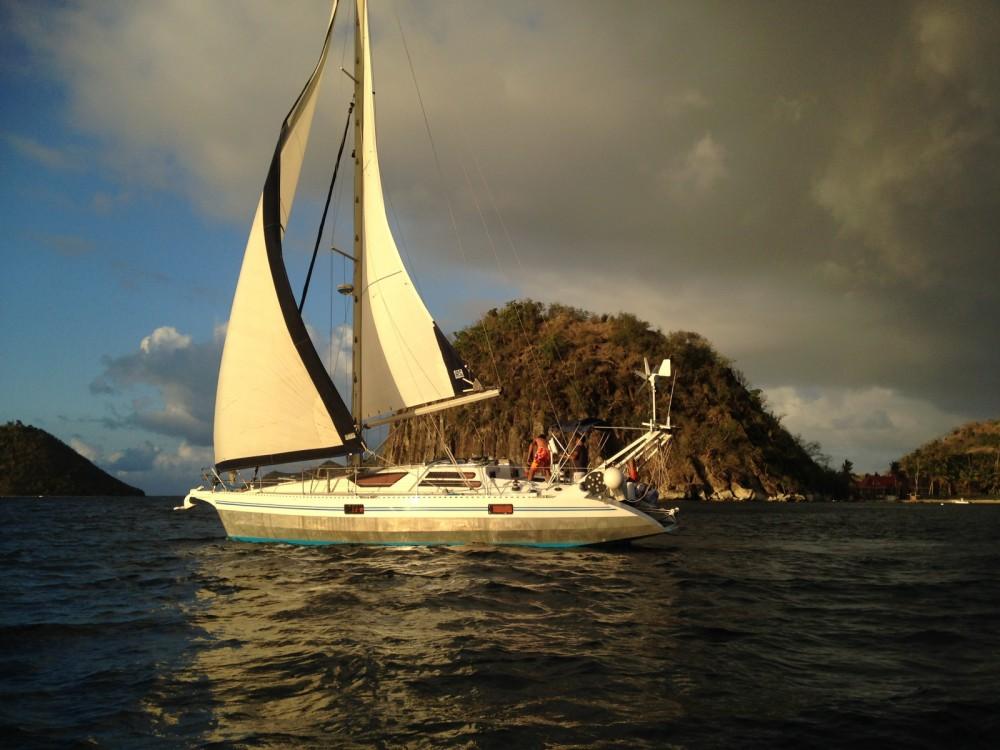 Rental Sailboat in Pointe-à-Pitre - Ovni 36