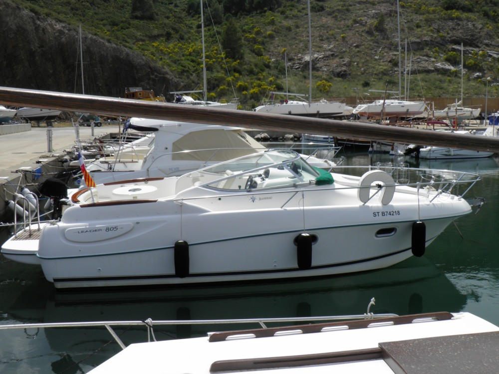 Motor boat for rent Portbou at the best price