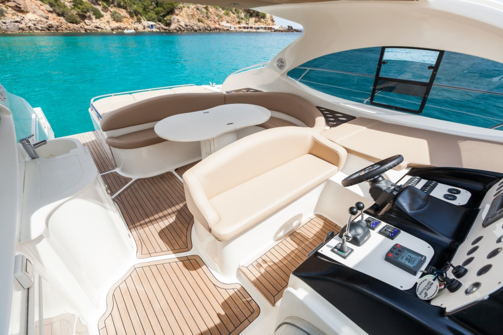 Motor boat for rent Îles Baléares at the best price