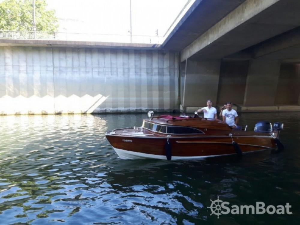 Rental Motor boat in Paris - Wolfrat-1941-Vaporetto Bateau venitien sur la seine