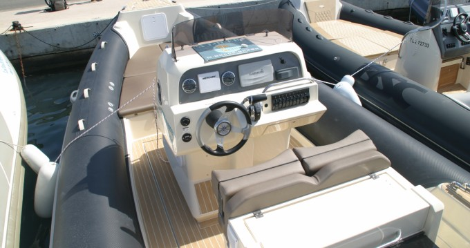 Italboats STINGHER 27 GT between personal and professional Hyères