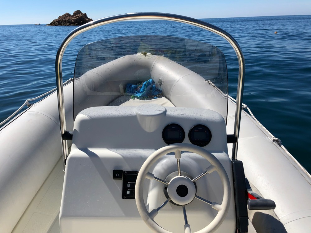 Hire RIB with or without skipper Bombard Platja d'Aro