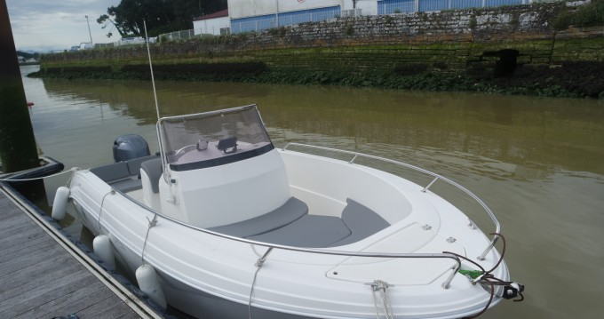 Hire Motorboat with or without skipper Pacific Craft Anglet
