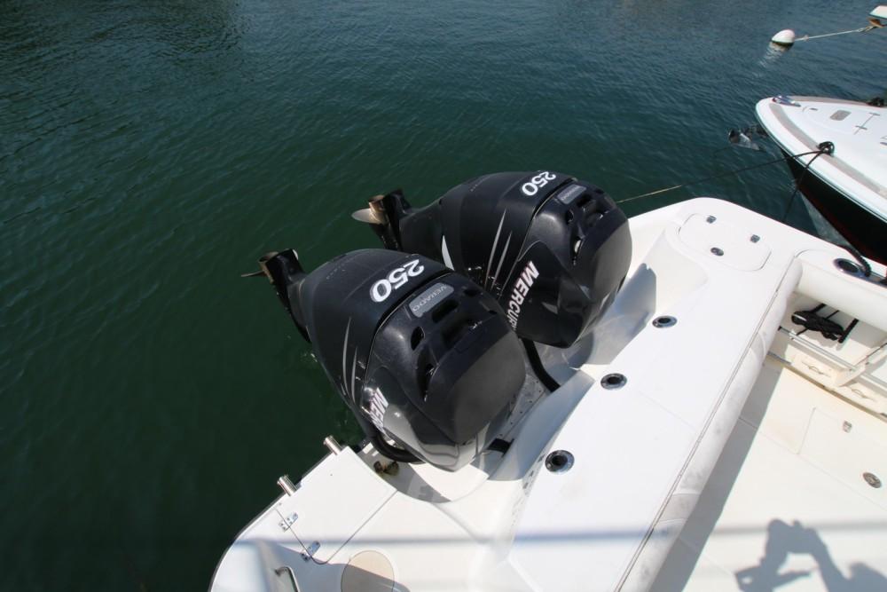 Boat rental Marzamemi cheap Boston Whaler 305 Conquest