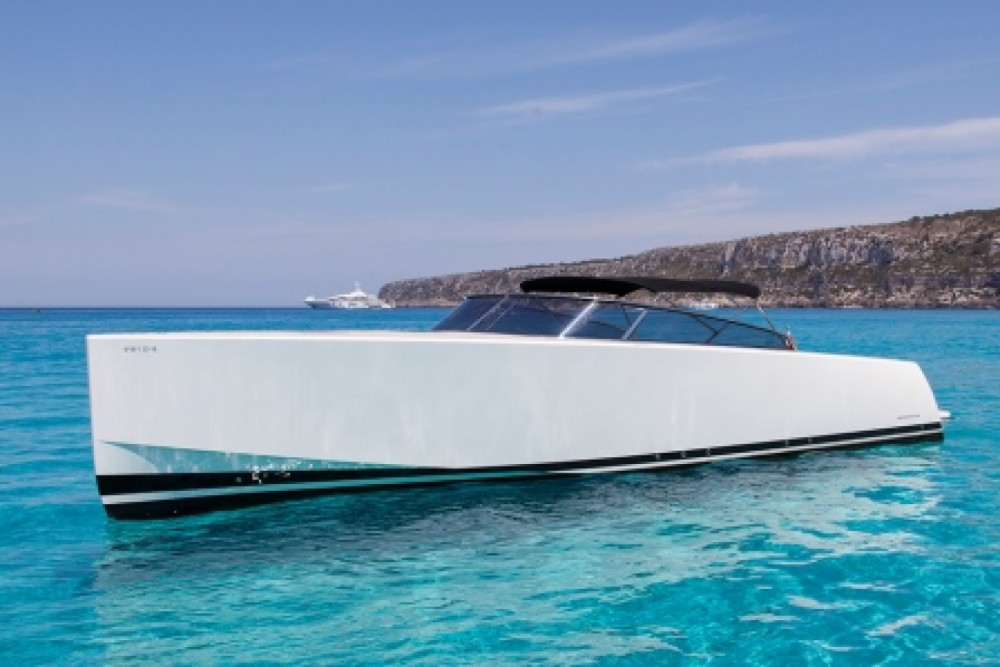 Hire Motor boat with or without skipper VanDutch Balearic Islands