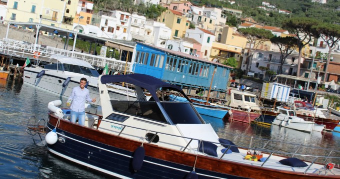 Motorboat for rent Massa Lubrense at the best price