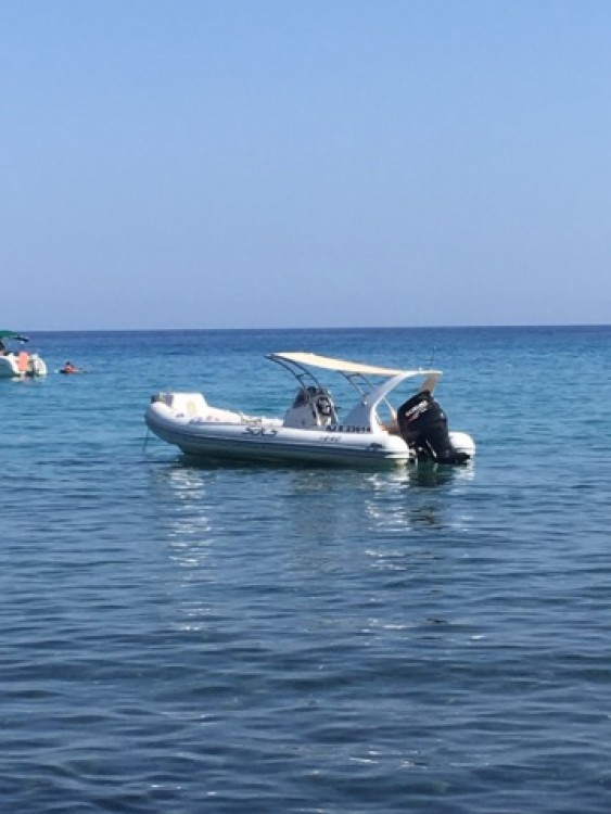 Boat rental Solenzara cheap Sacs S 640