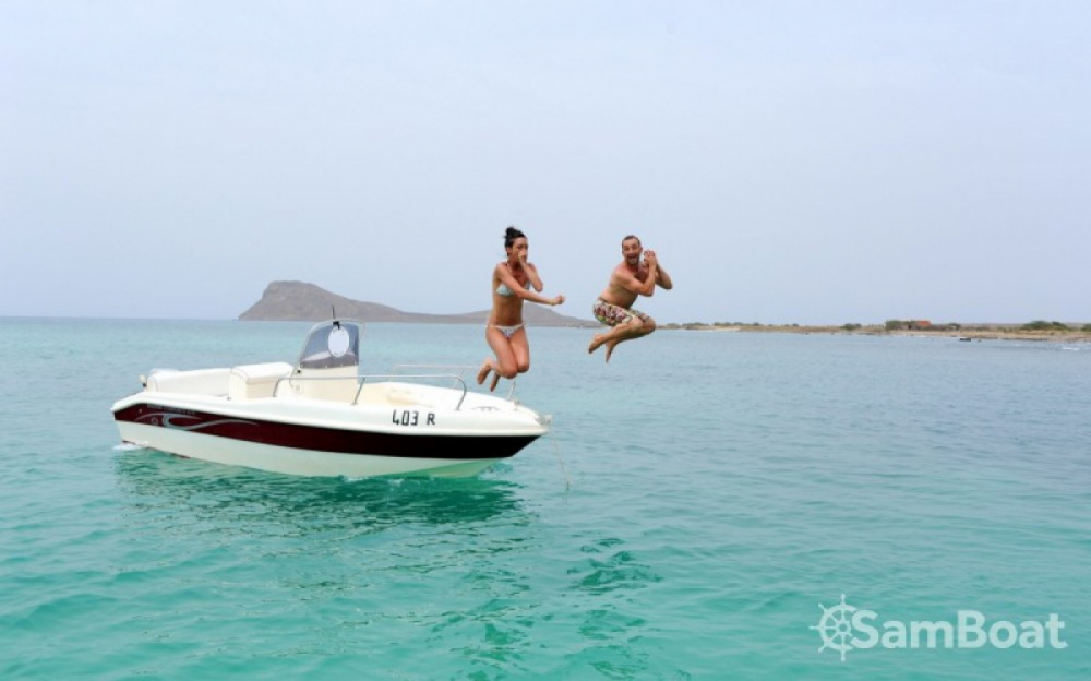 Motorboat for rent Palmeira at the best price