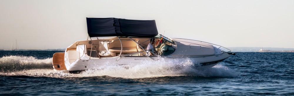 Boat rental Rinker Captiva 282 in Ibiza on Samboat