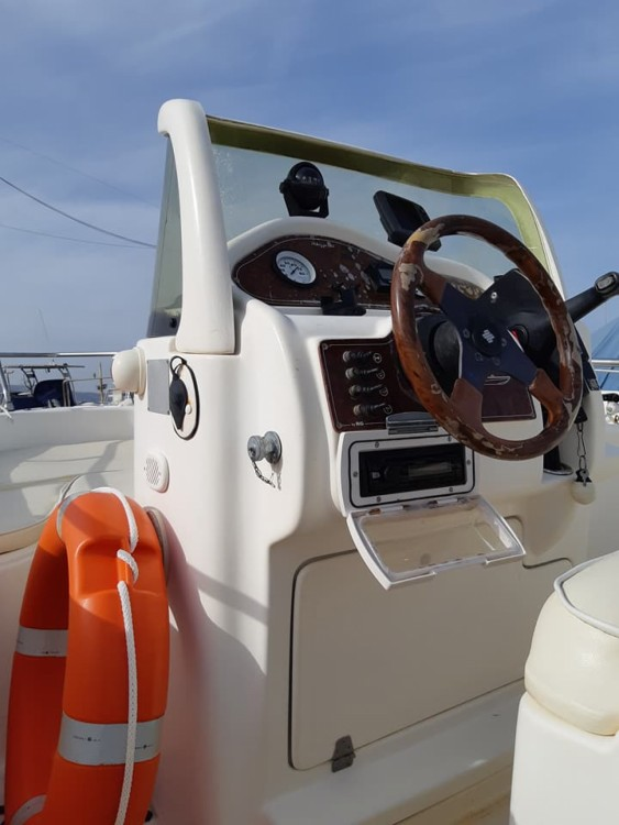 Hire Motor boat with or without skipper Skizzo Avola