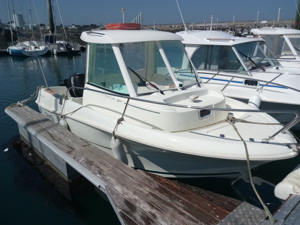 Boat rental Saint-Quay-Portrieux cheap Merry Fisher 585