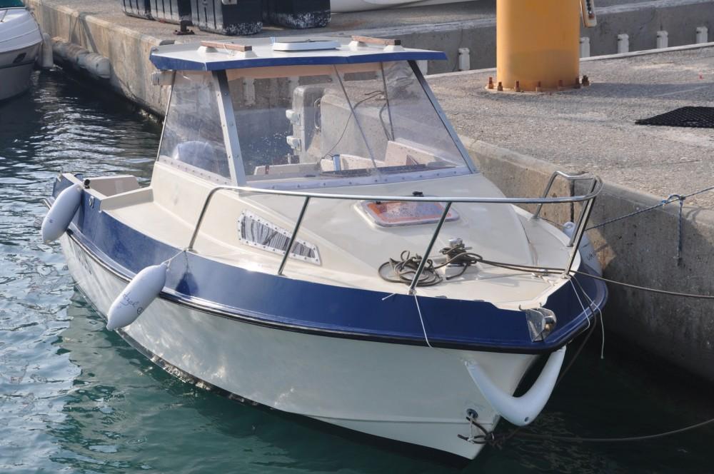 Boat rental Ocqueteau Alienor 540 in Antibes on Samboat