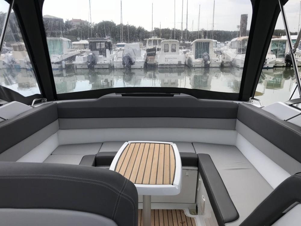 Rental yacht Saint-Gilles-Croix-de-Vie - Jeanneau Cap Camarat 7.5 DC on SamBoat