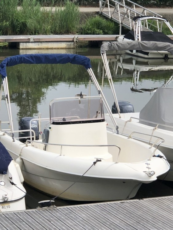 Motor boat for rent Le Bourget-du-Lac at the best price