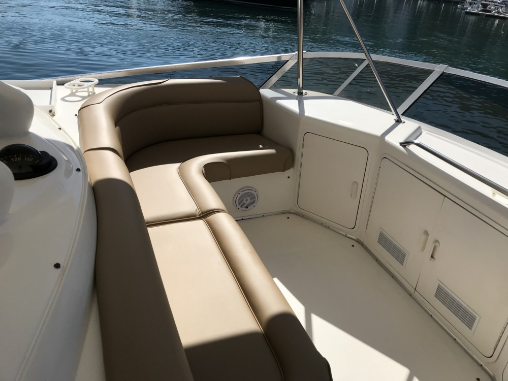 Boat rental Salerno cheap Sea Ray 550 Sedan Bridge