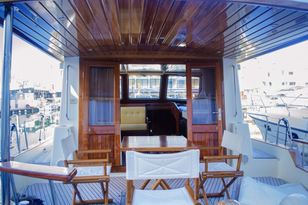 Rental Yacht Menorquin-Yachts with a permit