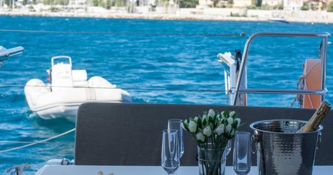 Boat rental Lagoon Lagoon 40 Motor Yacht in Cannes on Samboat