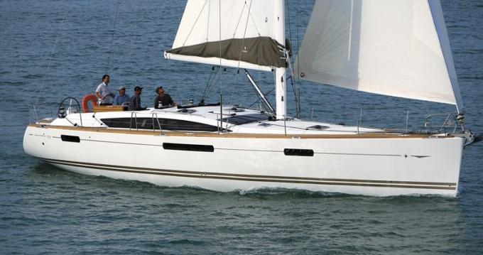 Rental Sailboat in Alimos - Jeanneau Jeanneau 53