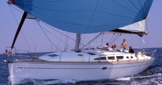 Rent a Jeanneau Sun Odyssey 43DS Alimos