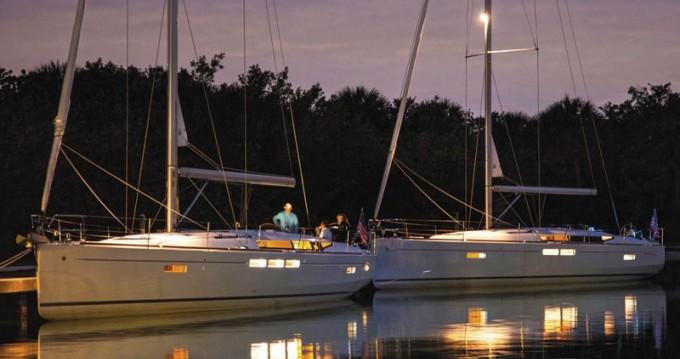 Boat rental Jeanneau Sun Odyssey 519 in Alimos on Samboat