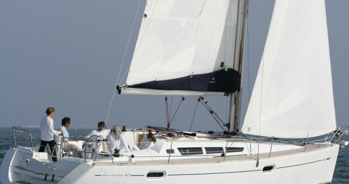 Rental yacht Lávrio - Jeanneau Sun Odyssey 42i on SamBoat