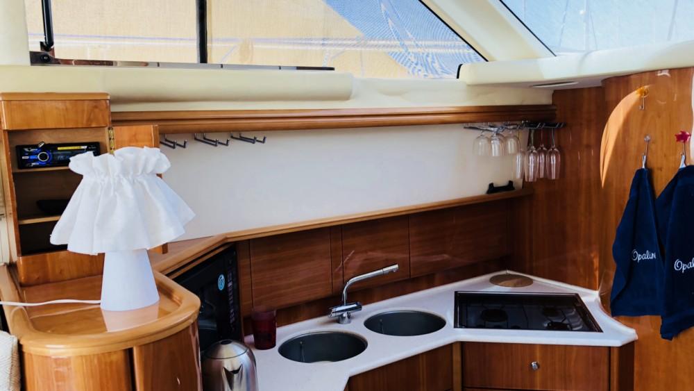 Rental Motor boat in Saint-Raphaël - Princess Princess 40 Fly