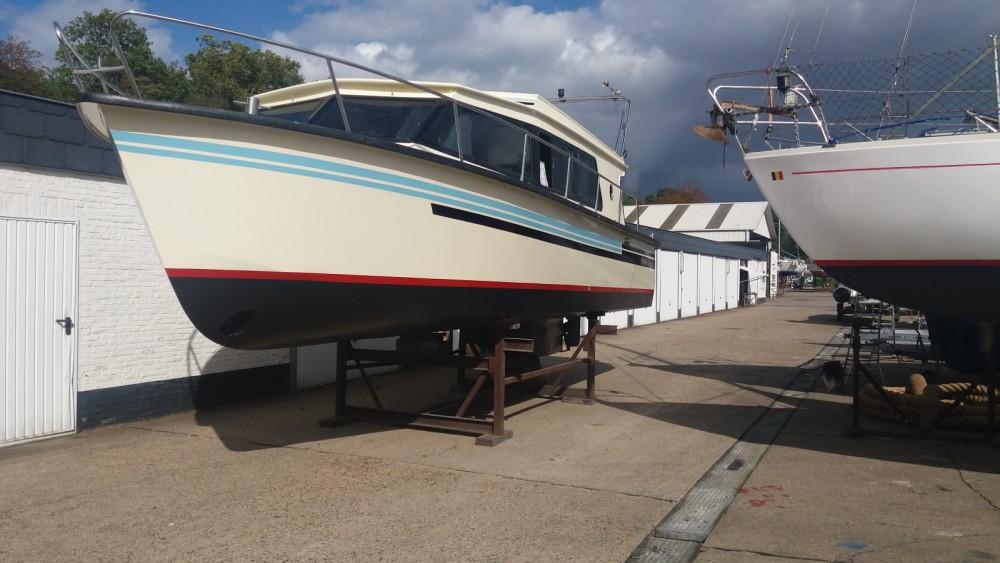 Rental yacht Brüssel - Bege 900 on SamBoat