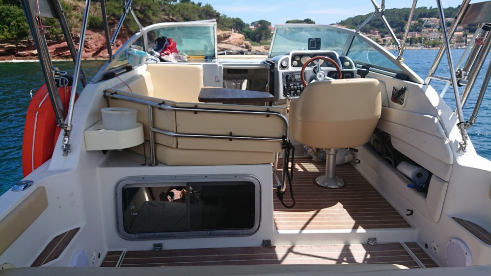 Hire Motor boat with or without skipper Doral Saint-Mandrier-sur-Mer