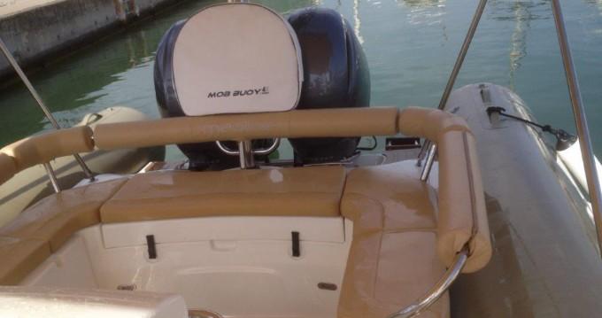 Boat rental Castelldefels cheap Medline 850