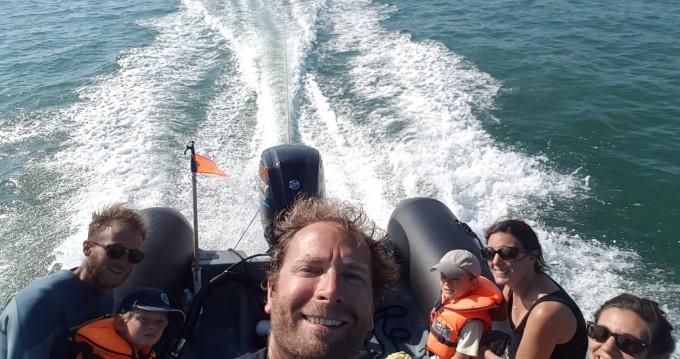 Boat rental La Flotte cheap Explorer 600