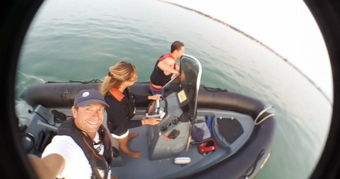 Rental yacht La Flotte - Bombard Explorer 600 on SamBoat