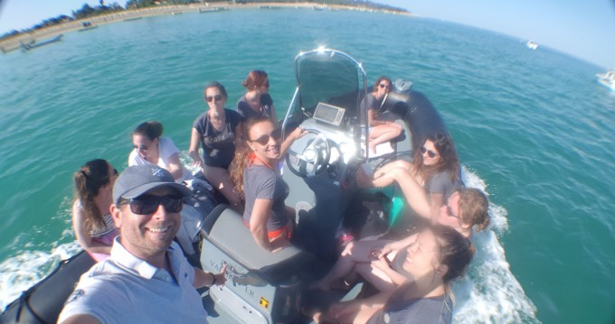 RIB for rent La Flotte at the best price
