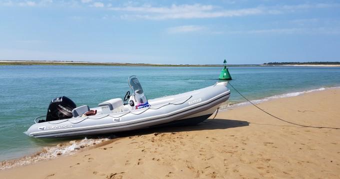 Boat rental Bombard Sunrider 650 in La Flotte on Samboat