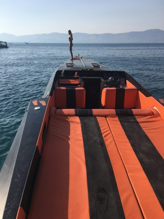 Rental Motor boat Cougar 50 with a permit