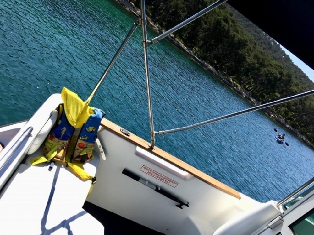 Rental Motor boat in Split - Bénéteau Antares 600