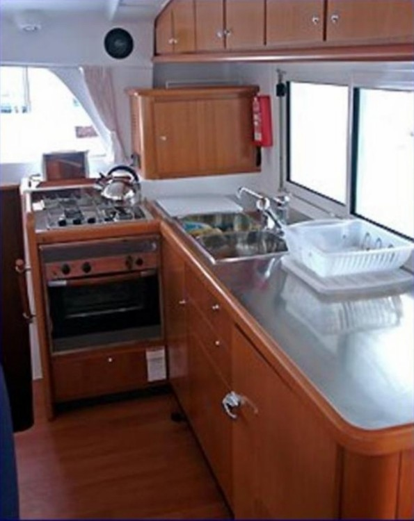 Rental Catamaran in Athens - Lagoon Lagoon 440
