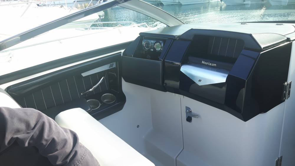 Hire Motor boat with or without skipper Four Winns Cavalaire-sur-Mer