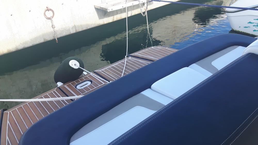 Boat rental Four Winns H 290 in Cavalaire-sur-Mer on Samboat