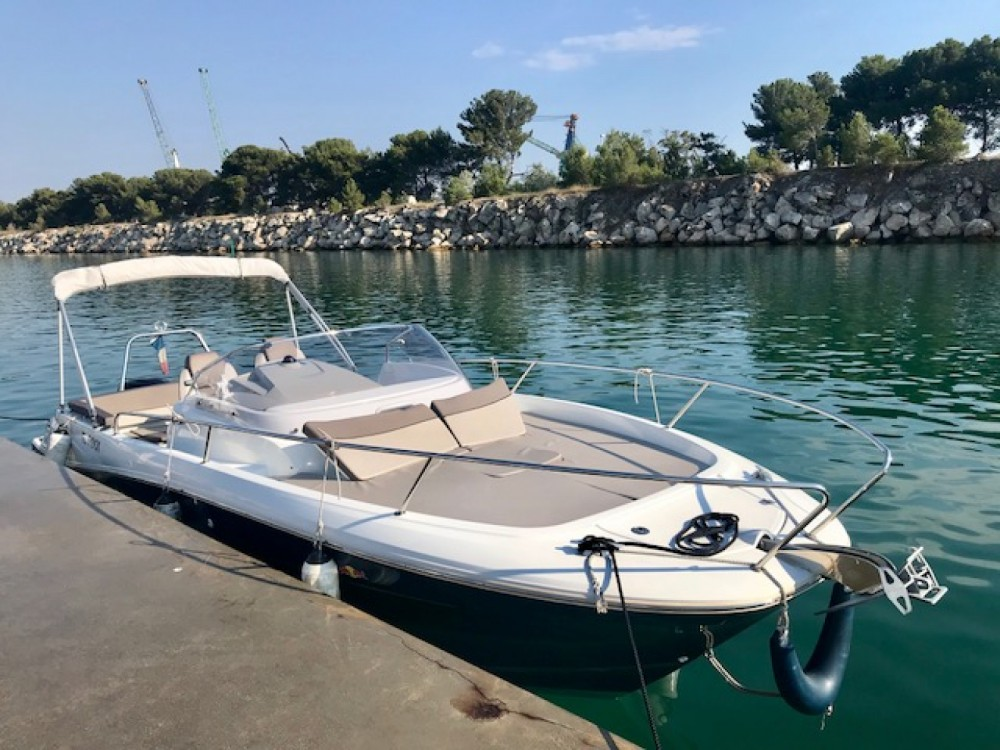 Rental Motor boat in  - Jeanneau Cap Camarat 7.5 WA Serie 2