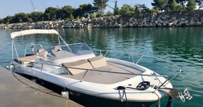 Rental yacht L'Estaque - Jeanneau Cap Camarat 7.5 WA Serie 2 on SamBoat