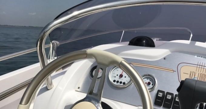 Rental Motorboat in Pérols - Sessa Marine Key Largo One