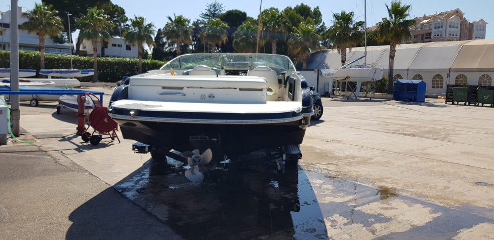 Hire Motor boat with or without skipper Rinker Puerto Deportivo Marina del Cantábrico